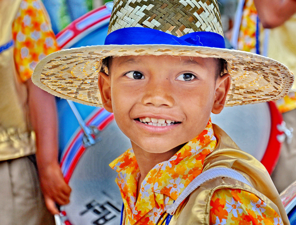 thai_boy_in_parade